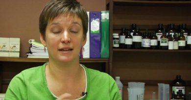 Natural Remedies & Cleanses : Benefits of Lemon Oil