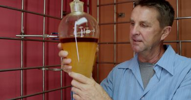 Making an Orange Extract With Essential Oils